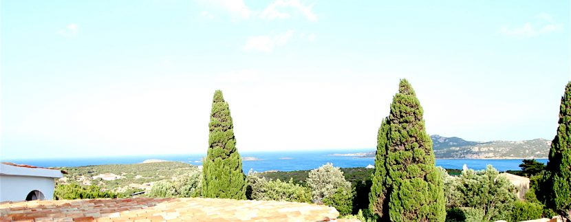 Luxury villa_sea view_Vinci Real Estate_rent for holiday in sardinia
